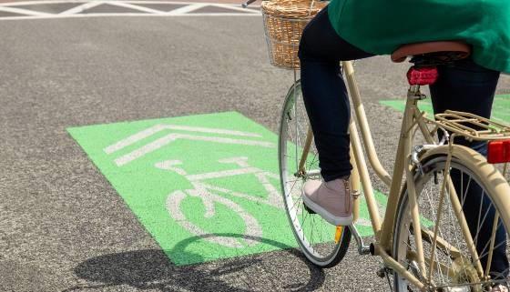 220721 - Cyclist Sharrow